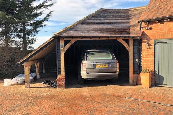 Essex Oak Frame Cart Lodge (3)